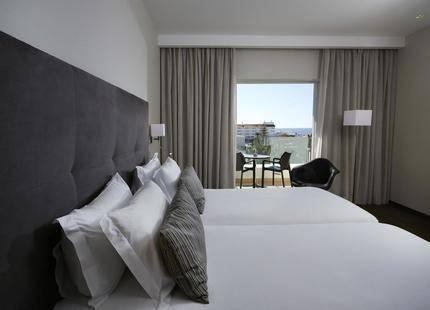 Alcazar Hotel