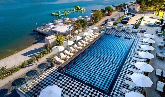 Brown Beach Hotel