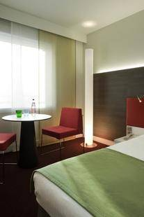 Mercure Paris La Defense Grande Arche