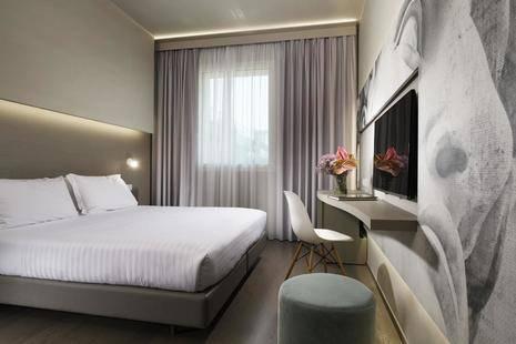 The Glance Hotel