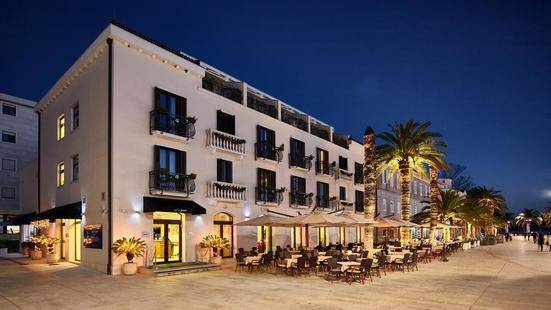 Pine Hotel