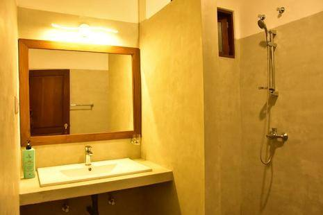 Green Almond Hotel