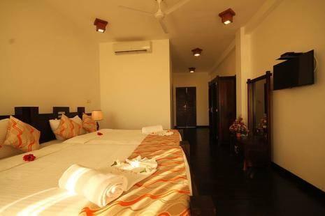 Saffron Hotel & Restaurant