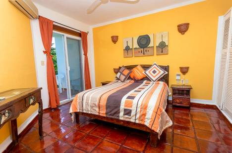 El Patio Hotel & Suites