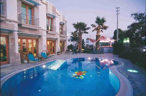 Maira Beach Hotel