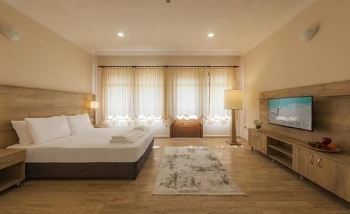 Club Marma Hotel