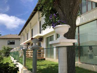 Villa Adrian 2*