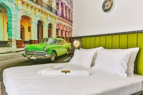 Hotel Del Medio