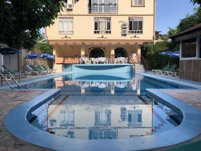 Kromer Garden Hotel