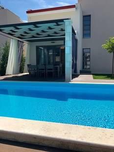 W Villas