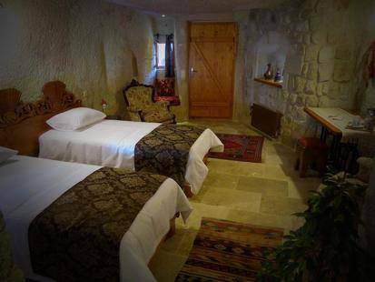 Canyon Cave Hotel