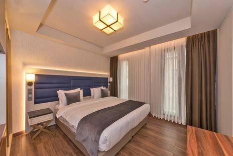 Golden Royal Hotel