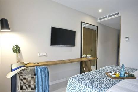 Ona Soller Bay (Adult Only 18+)