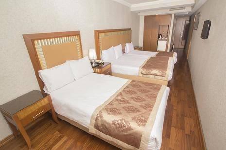 Nova Plaza Park Hotel