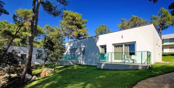 Crvena Luka Apartments And Villas