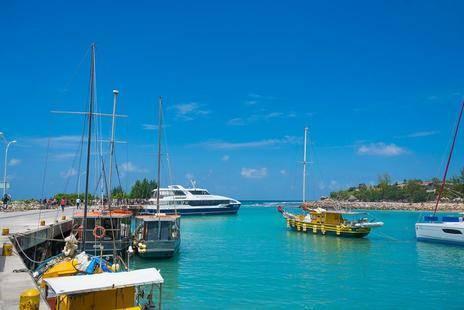 Le Nautique Luxury Waterfront