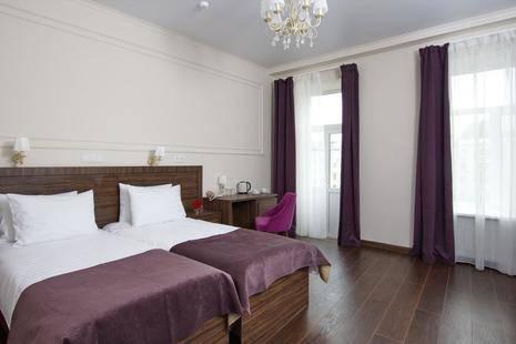 Золотой Век (Golden Age Hotel)
