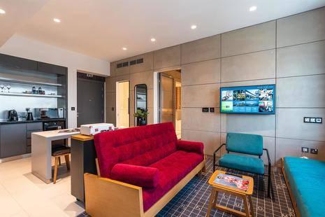 Studio One Hotel