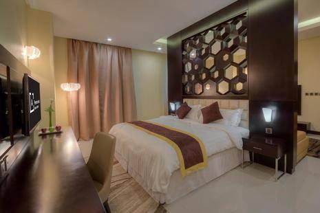 Atiram Premier Hotel