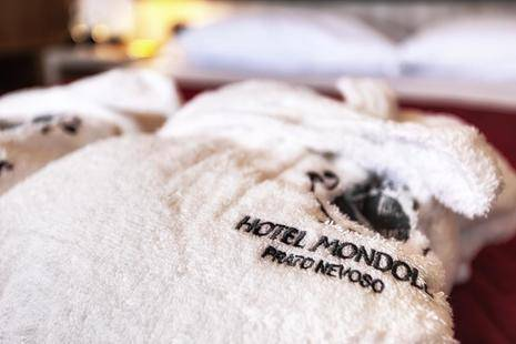 Mondole Hotel