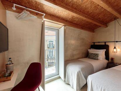 Dear Lisbon Living House