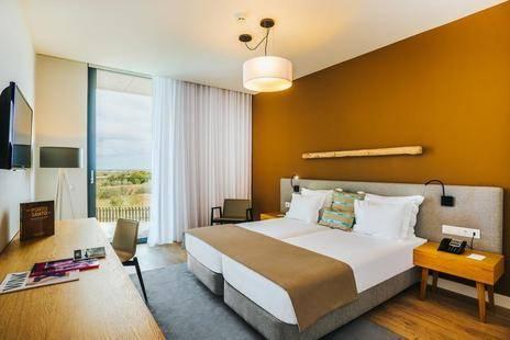 Pestana Ilha Dourada Hotel & Villas