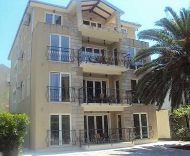 Apartments Franeta