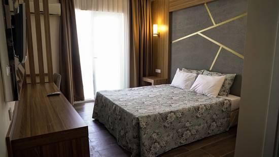 Dionisus Hotel